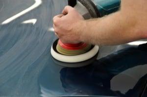 Auto polieren beim Profi