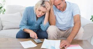Paar in finanziellen Schwierigkeiten